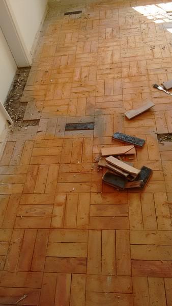 Manuten o de tacos de madeira renefran for Compro piso en sanxenxo