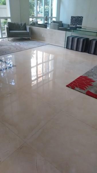 Conhe a o processo de polimento de piso de granito for Empresas de granito