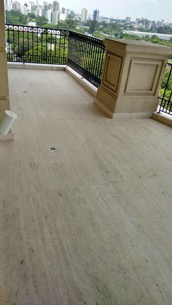 Polimento de mármores e granitos