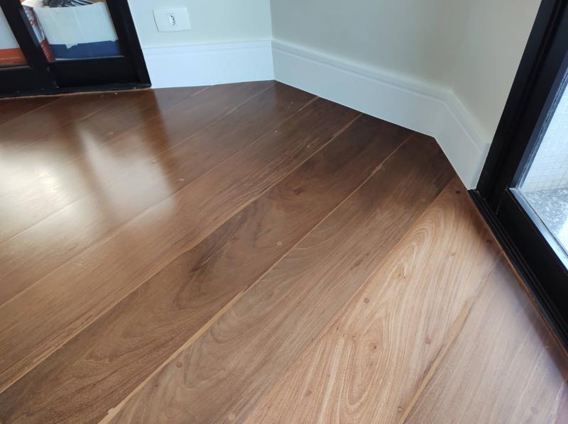 Quanto custa raspagem de piso de madeira